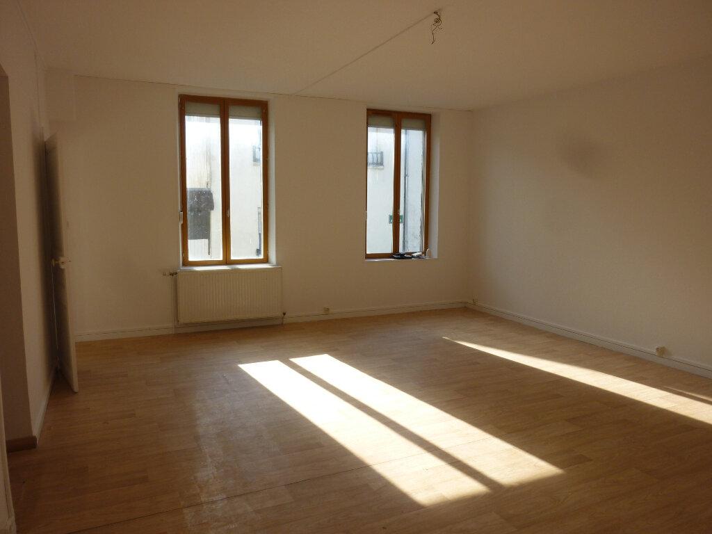 Appartement à louer 4 95m2 à Mauregny-en-Haye vignette-2