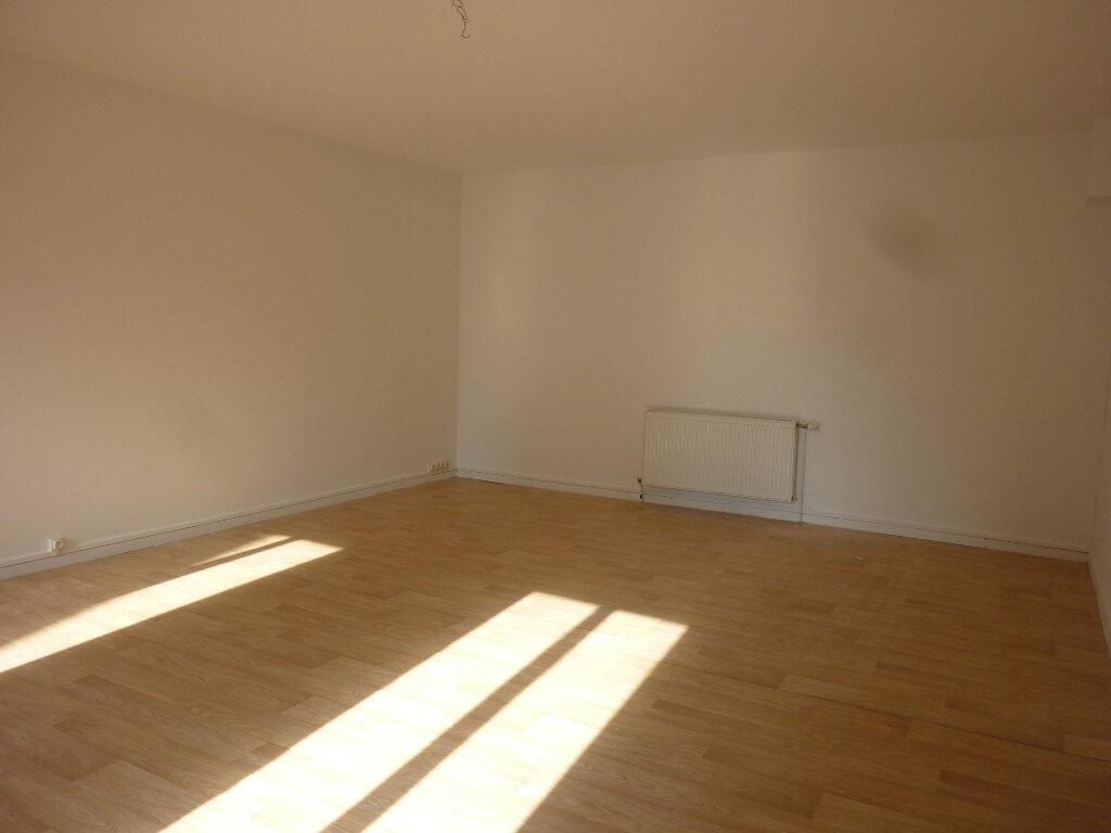 Appartement à louer 4 95m2 à Mauregny-en-Haye vignette-3