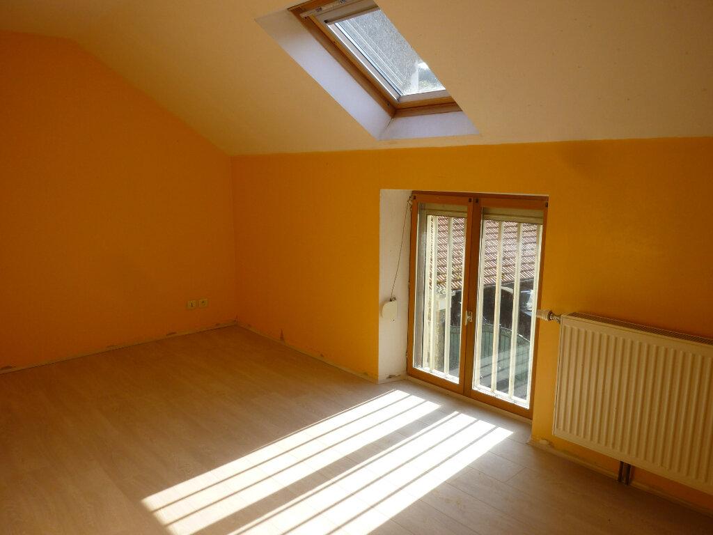 Appartement à louer 4 95m2 à Mauregny-en-Haye vignette-6