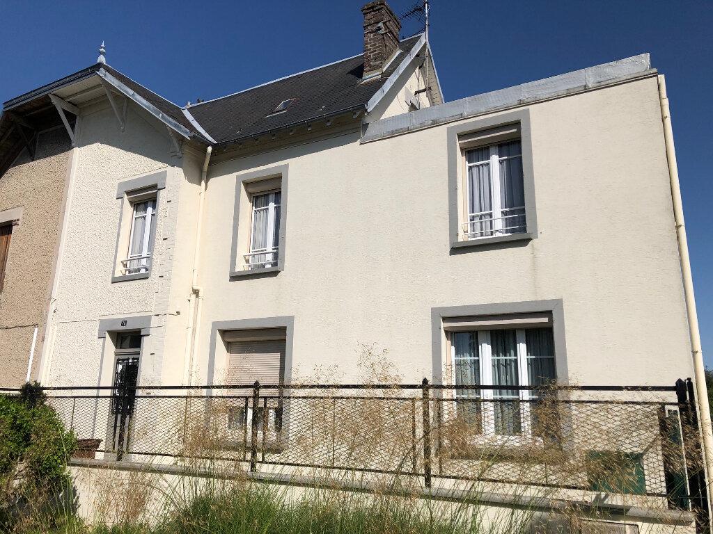 Maison à vendre 6 119m2 à Laon vignette-1