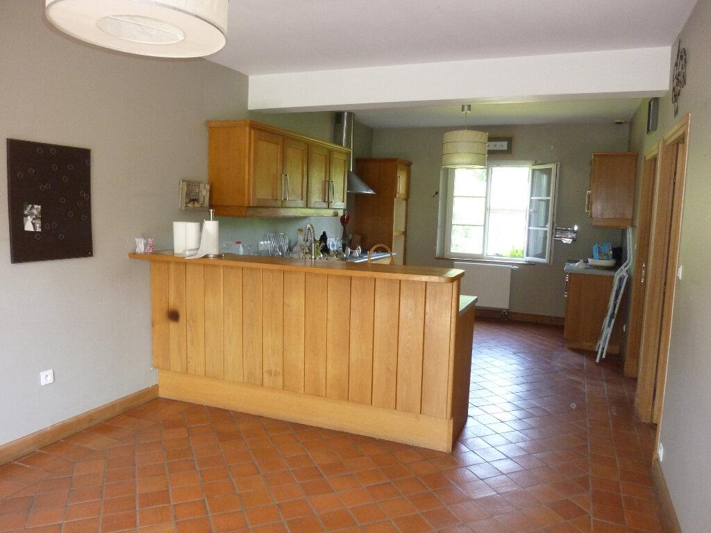 Maison à louer 9 330m2 à Nouvion-et-Catillon vignette-6