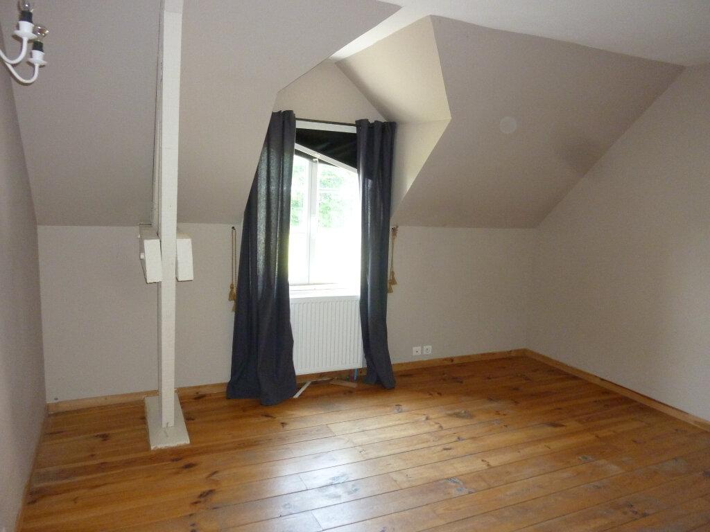 Maison à louer 9 330m2 à Nouvion-et-Catillon vignette-10
