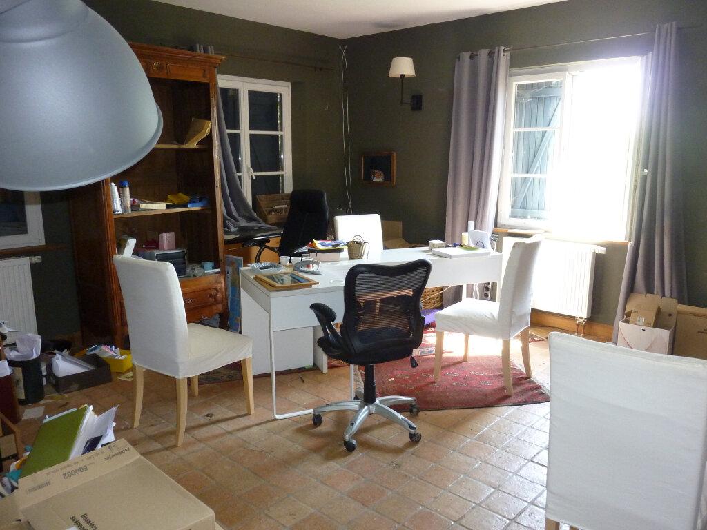 Maison à louer 9 330m2 à Nouvion-et-Catillon vignette-18