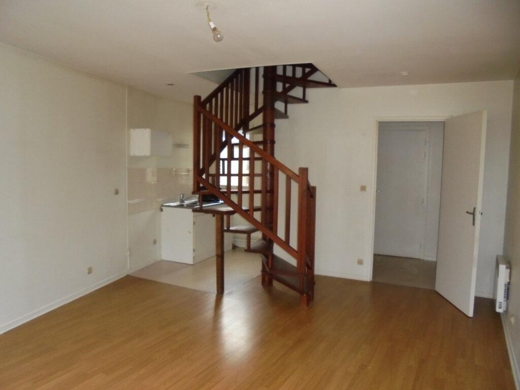 Appartement à louer 2 53m2 à Laon vignette-1