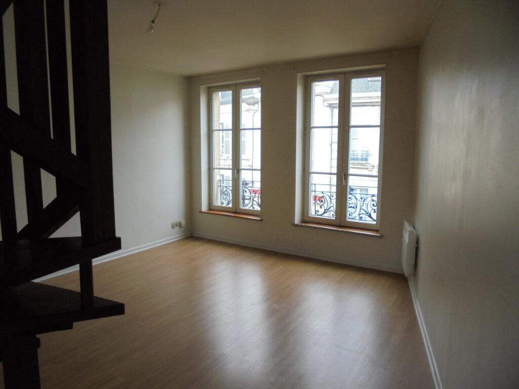 Appartement à louer 2 53m2 à Laon vignette-2