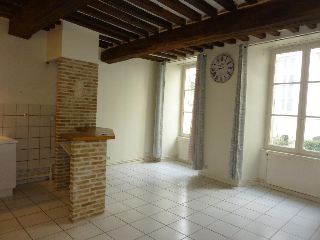 Appartement à louer 2 50m2 à Laon vignette-2