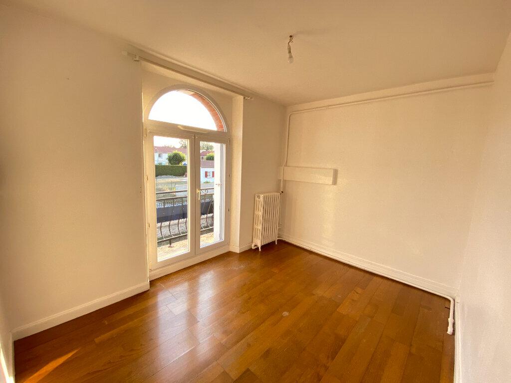Maison à vendre 6 150m2 à Coucy-lès-Eppes vignette-5