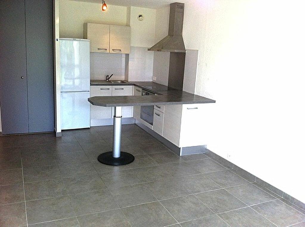 Appartement à louer 2 39m2 à La Grande-Motte vignette-3
