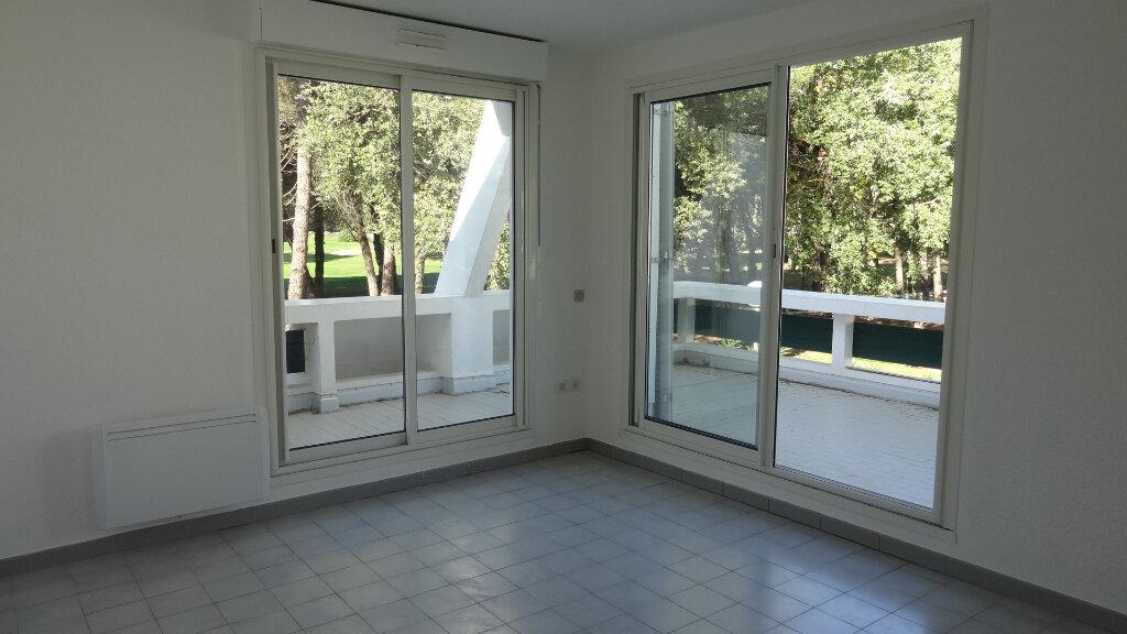 Appartement à louer 2 33m2 à La Grande-Motte vignette-2