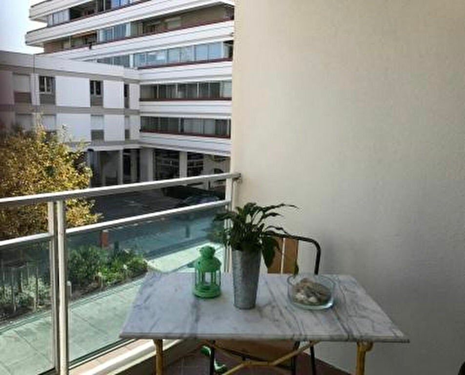 Appartement à louer 4 67m2 à La Grande-Motte vignette-1
