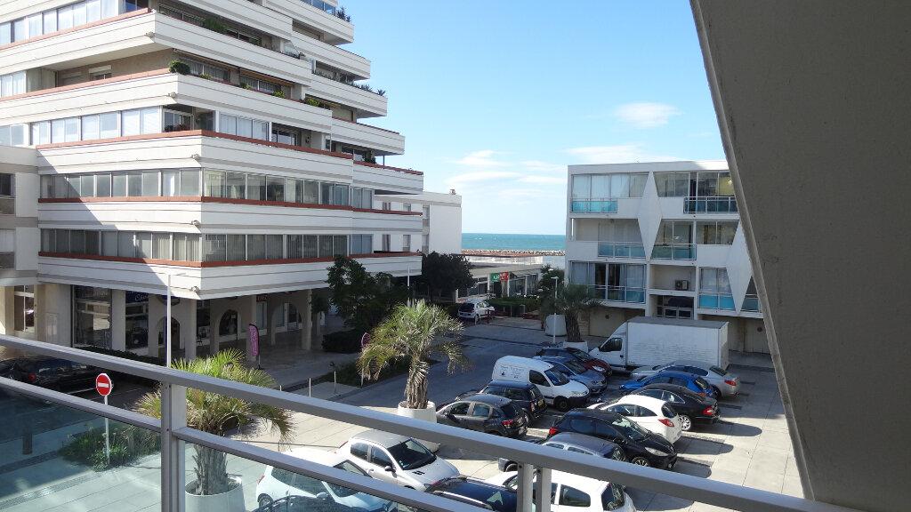 Appartement à louer 4 67m2 à La Grande-Motte vignette-2