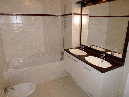 Appartement à louer 4 90m2 à La Grande-Motte vignette-5