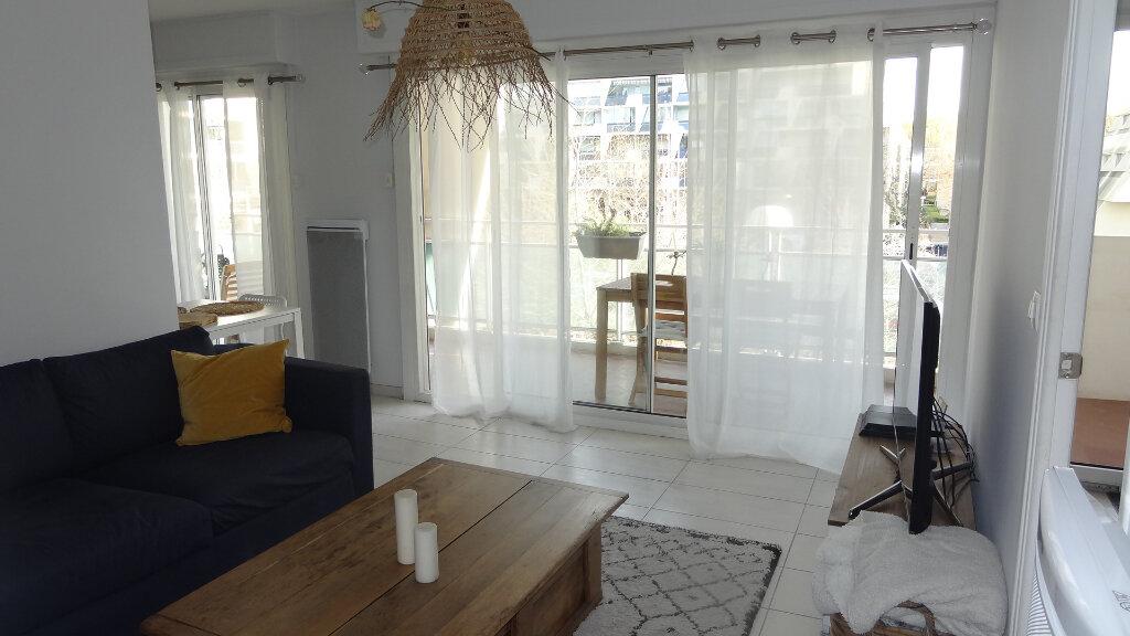 Appartement à louer 2 30m2 à La Grande-Motte vignette-2