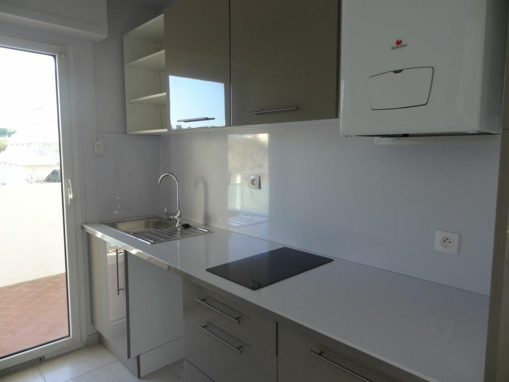 Appartement à louer 2 30m2 à La Grande-Motte vignette-3
