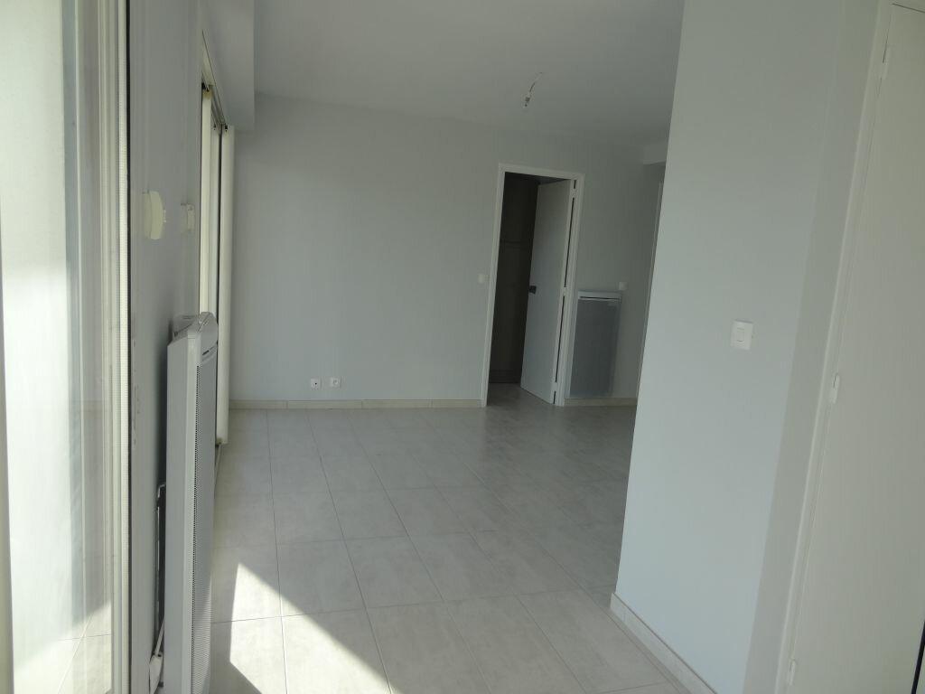 Appartement à louer 2 30m2 à La Grande-Motte vignette-6