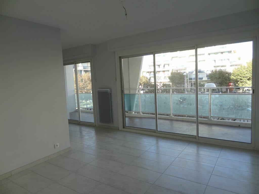 Appartement à louer 2 30m2 à La Grande-Motte vignette-7