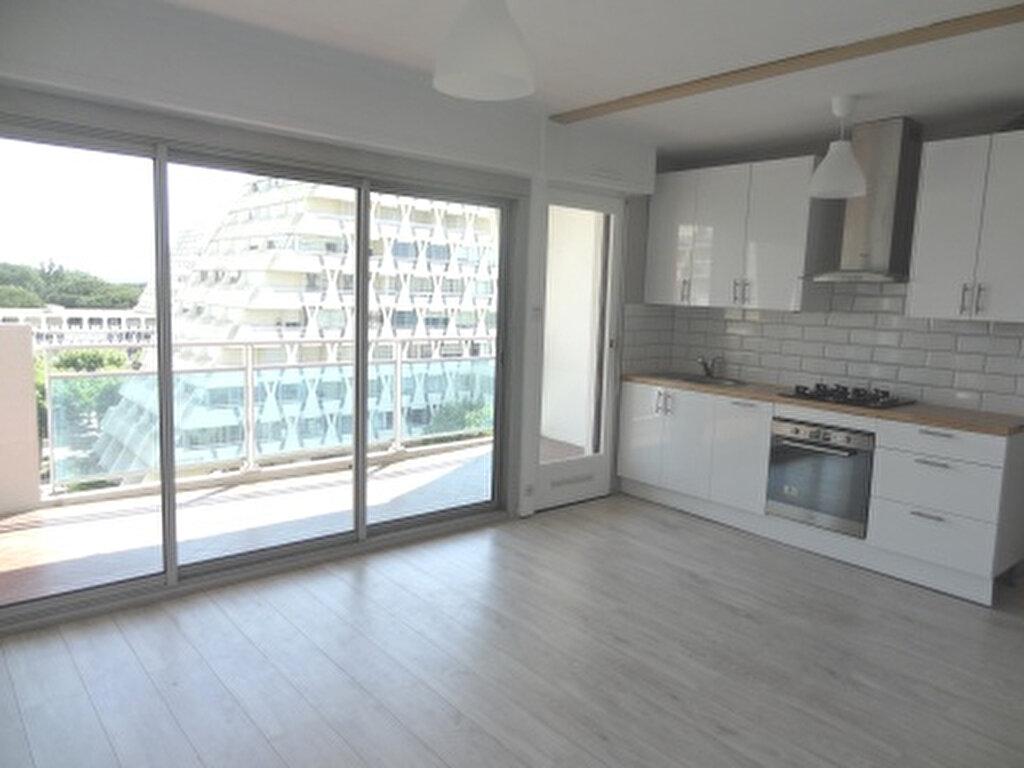 Appartement à louer 2 33m2 à La Grande-Motte vignette-1