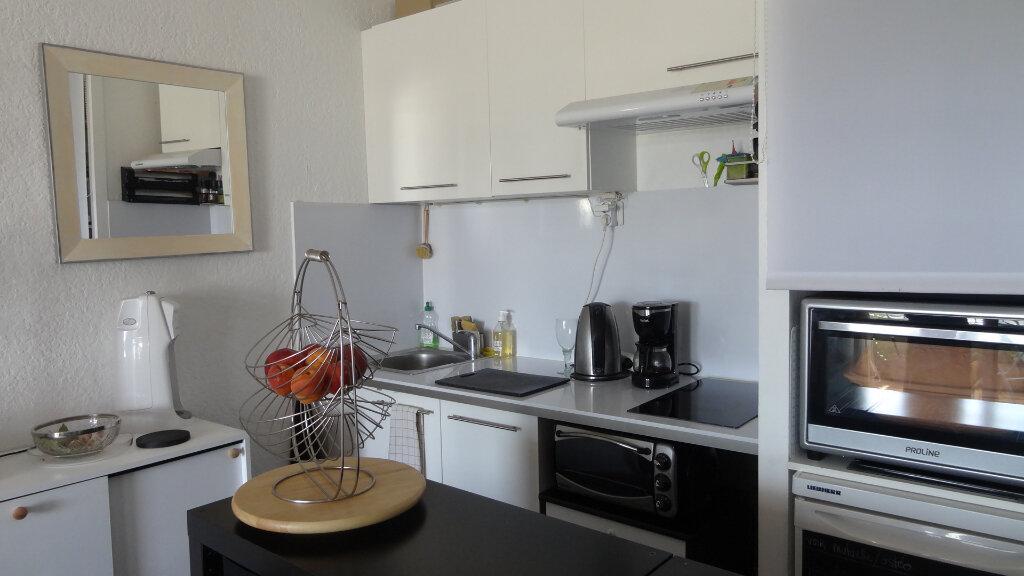 Appartement à louer 1 22m2 à La Grande-Motte vignette-1
