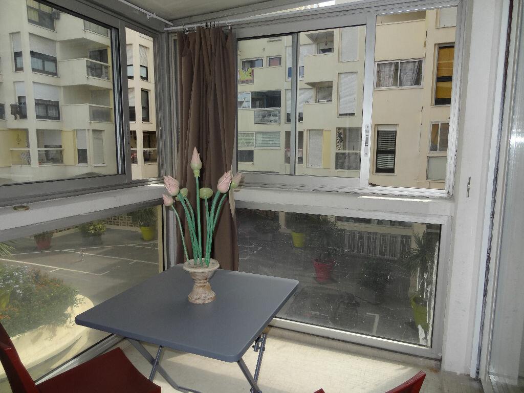 Appartement à louer 2 32m2 à La Grande-Motte vignette-2