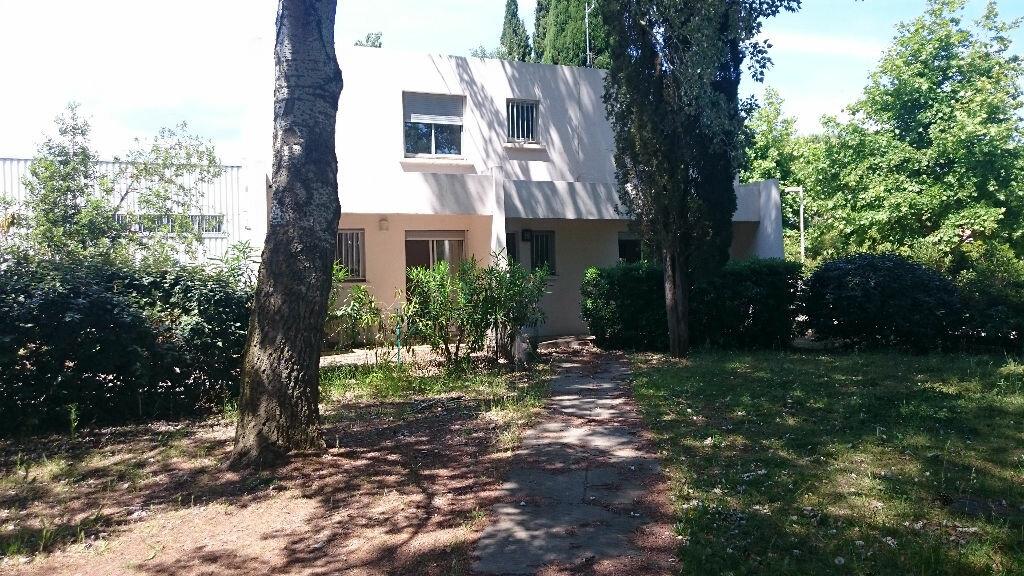 Maison à louer 5 134m2 à La Grande-Motte vignette-1