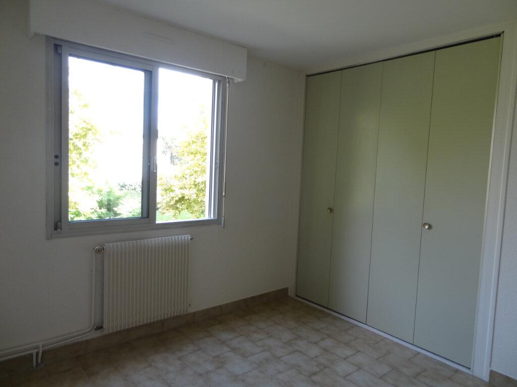 Maison à louer 5 134m2 à La Grande-Motte vignette-6