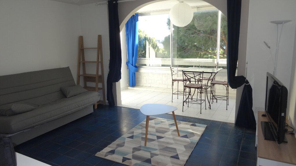 Appartement à louer 1 36m2 à La Grande-Motte vignette-1