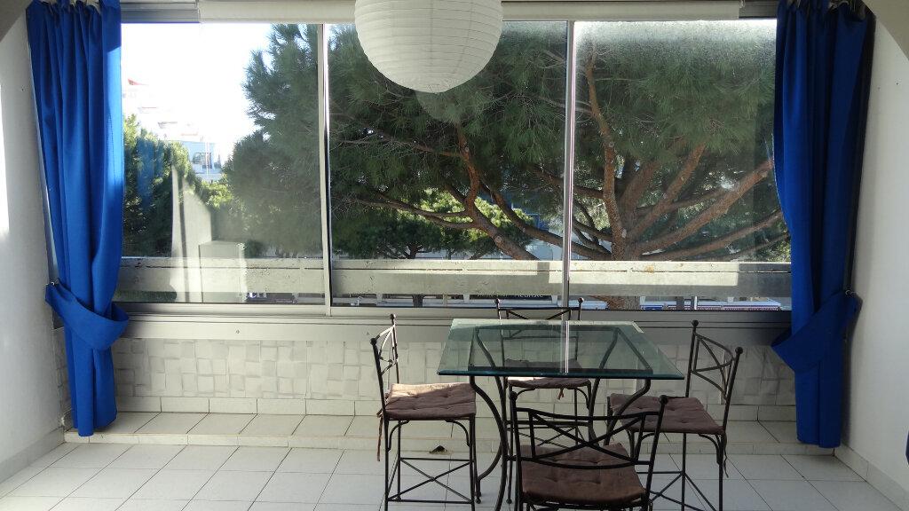 Appartement à louer 1 36m2 à La Grande-Motte vignette-3