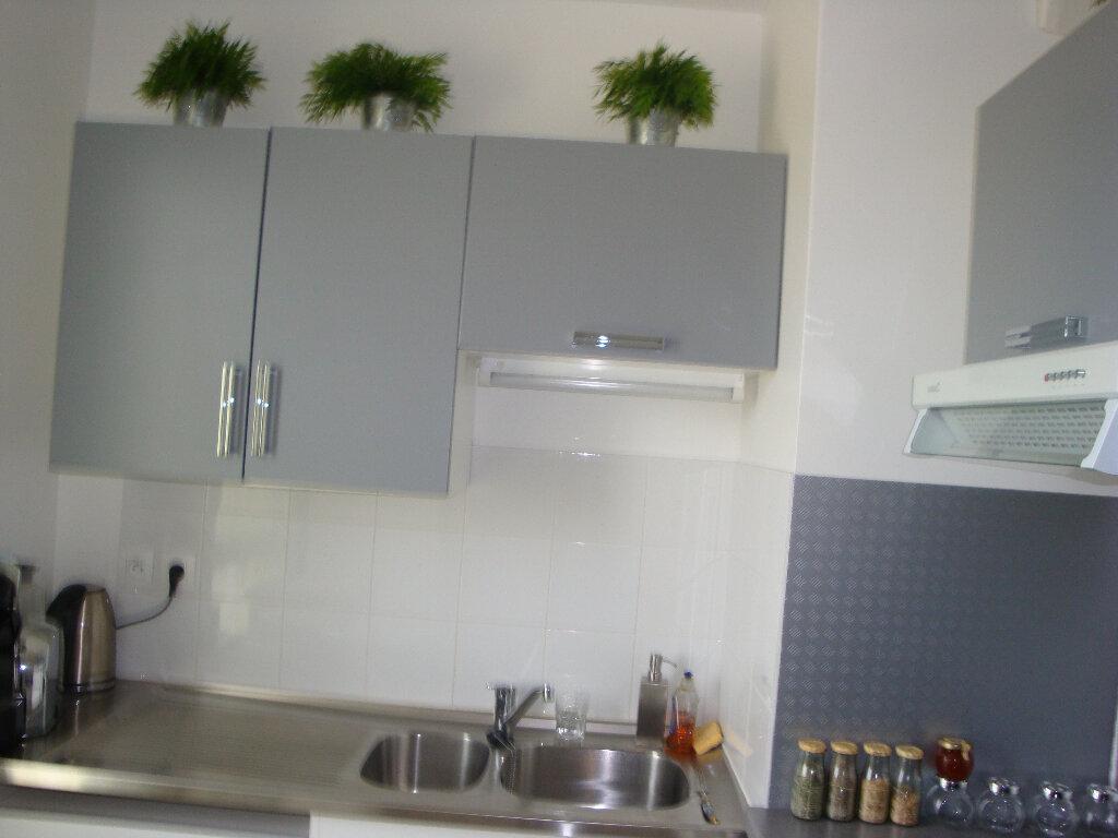 Appartement à louer 3 70m2 à Montévrain vignette-2