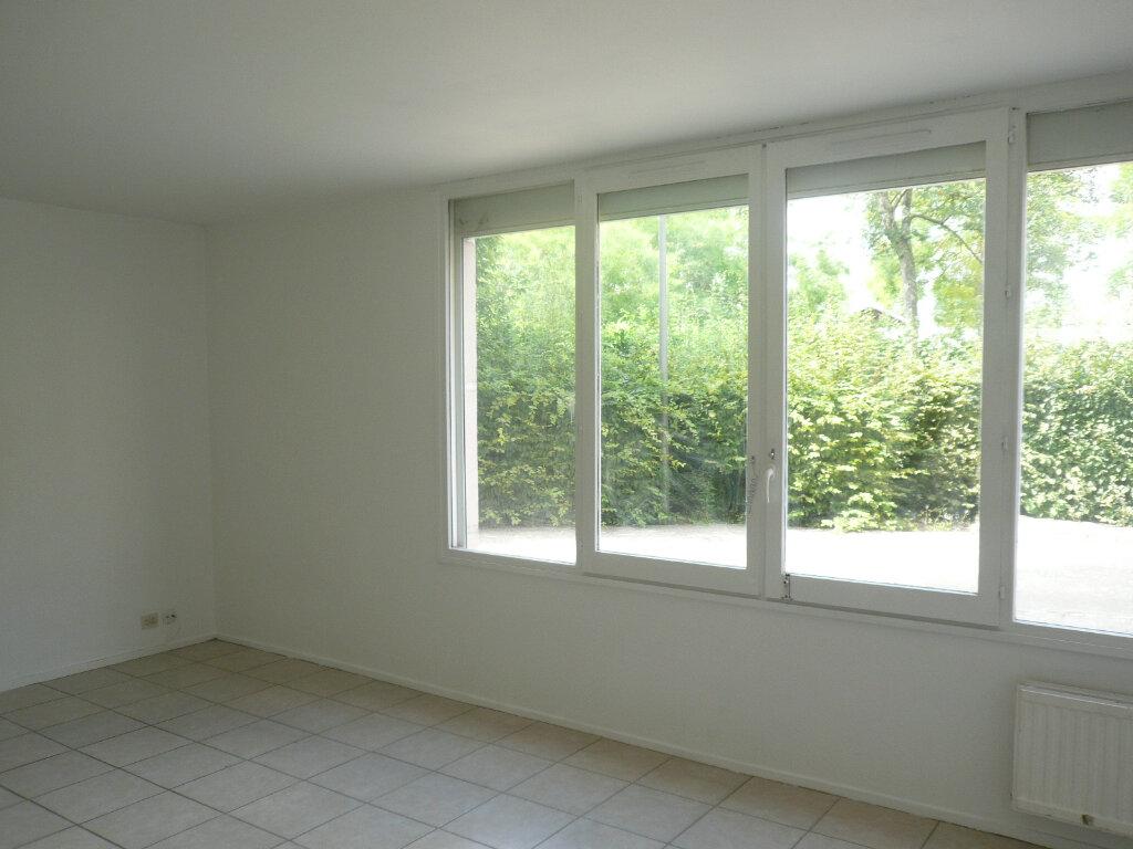 Appartement à louer 1 38.94m2 à Champs-sur-Marne vignette-2