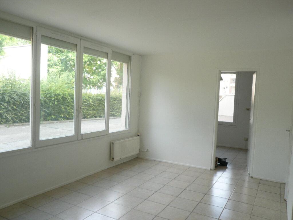 Appartement à louer 1 38.94m2 à Champs-sur-Marne vignette-6