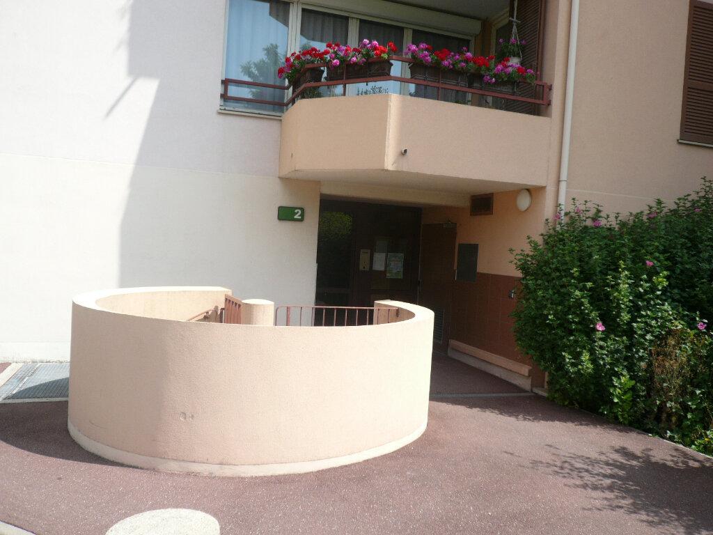 Appartement à louer 1 38.94m2 à Champs-sur-Marne vignette-8