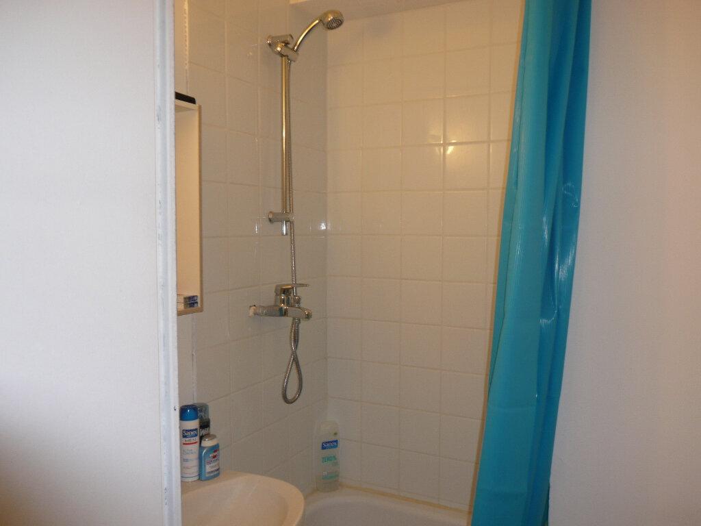 Appartement à louer 1 17.66m2 à Bussy-Saint-Georges vignette-4
