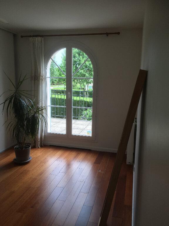 Maison à louer 6 140.79m2 à Bussy-Saint-Georges vignette-12