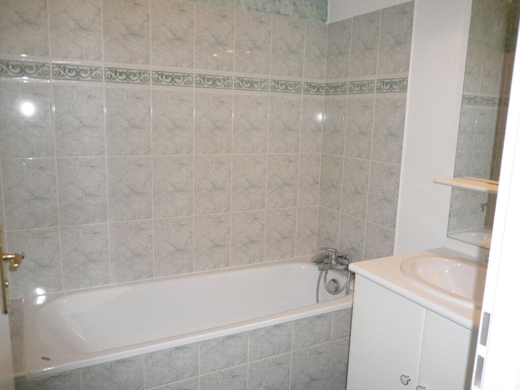 Appartement à louer 2 42m2 à Bussy-Saint-Georges vignette-4
