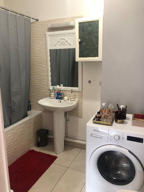 Appartement à louer 2 42.7m2 à Bussy-Saint-Georges vignette-5