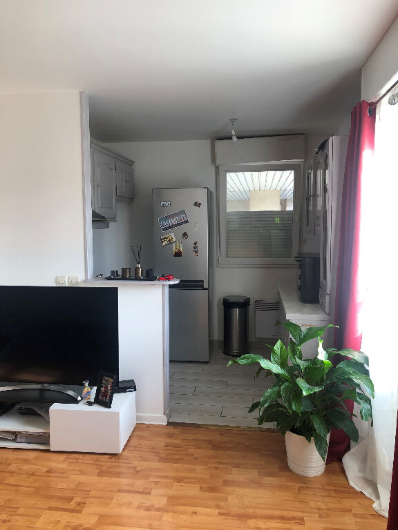 Appartement à louer 2 42.7m2 à Bussy-Saint-Georges vignette-6