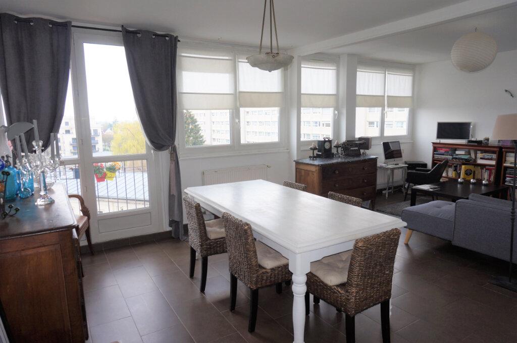 Appartement à vendre 4 70.16m2 à Pontoise vignette-2