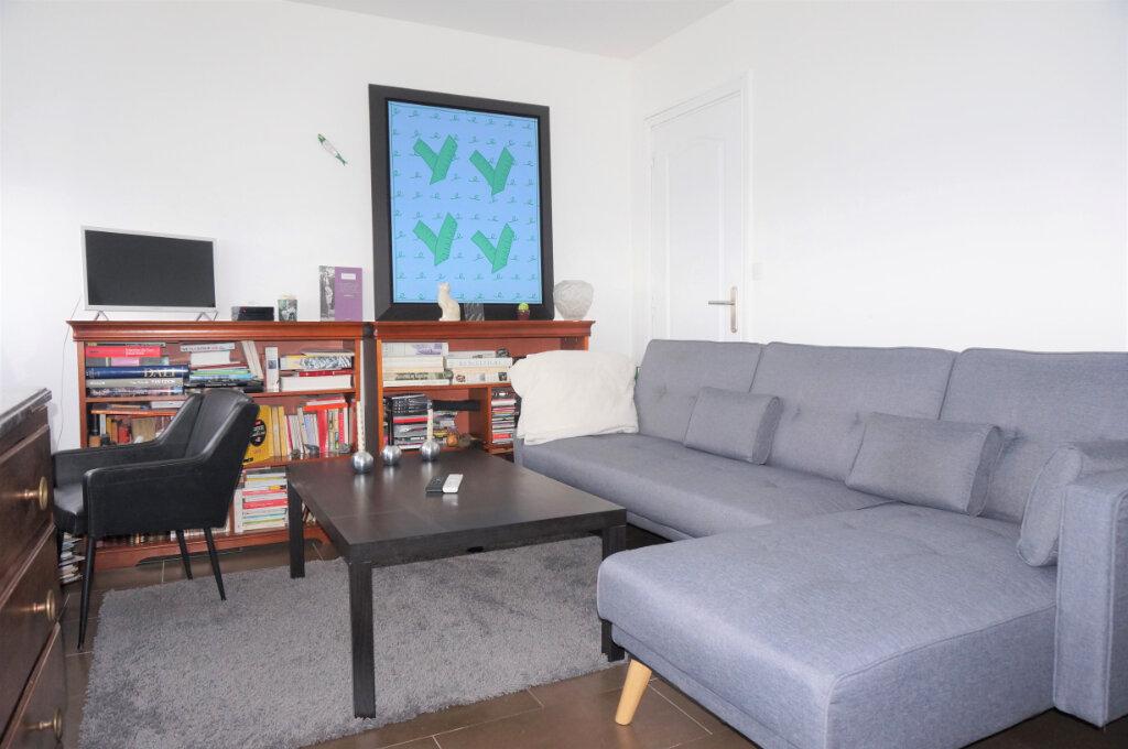Appartement à vendre 4 70.16m2 à Pontoise vignette-3