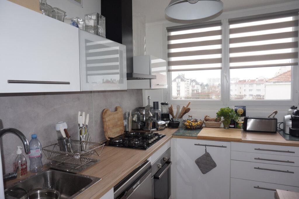 Appartement à vendre 4 70.16m2 à Pontoise vignette-4