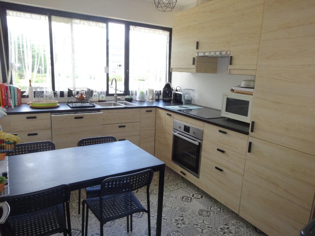 Appartement à vendre 3 65.77m2 à Pontoise vignette-2