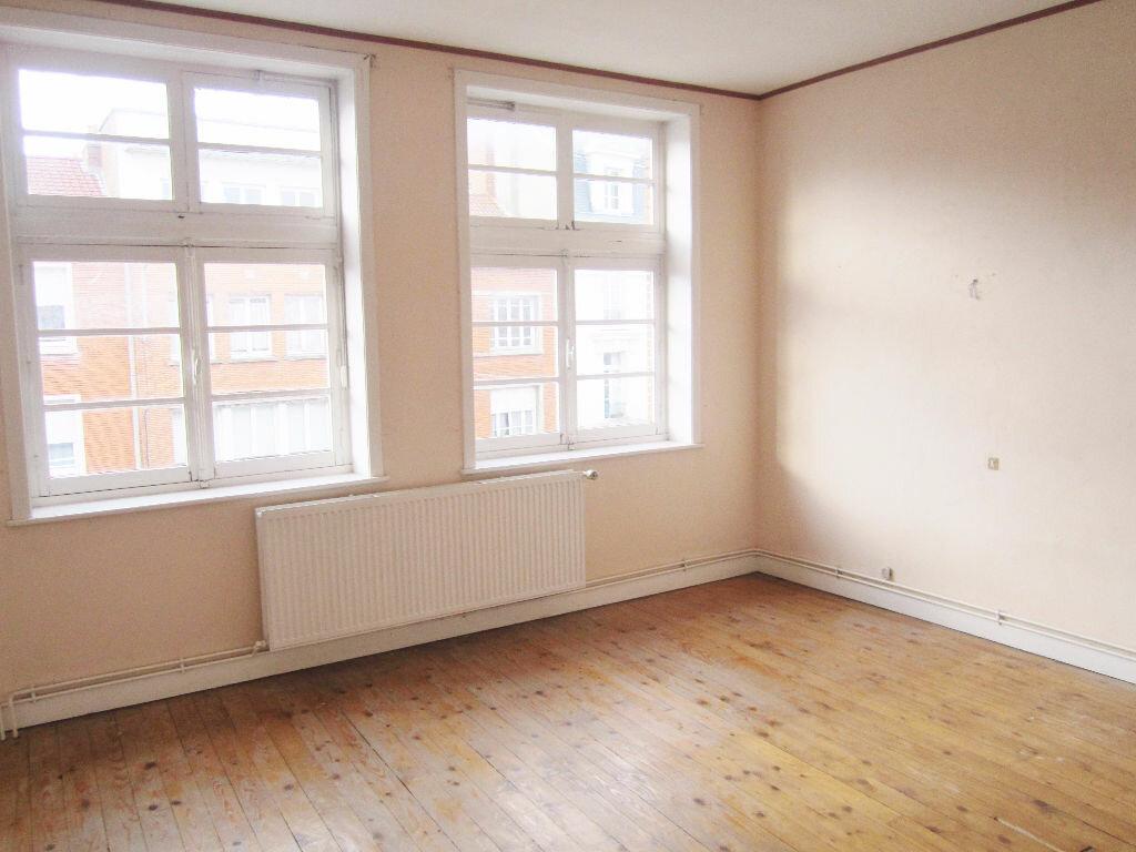 Appartement à louer 3 70m2 à Armentières vignette-1
