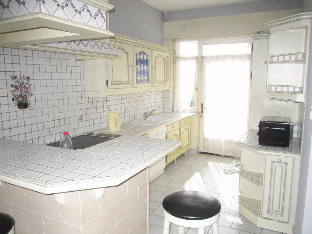 Appartement à louer 3 70m2 à Armentières vignette-2