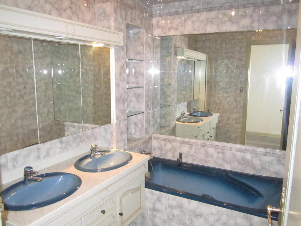 Appartement à louer 3 70m2 à Armentières vignette-4