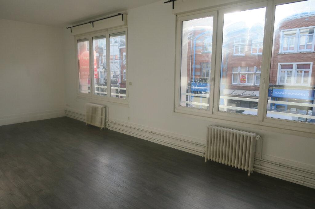 Appartement à louer 4 87m2 à Armentières vignette-2