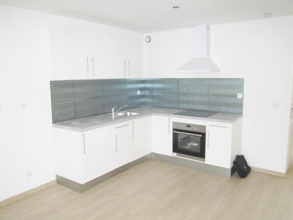 Appartement à louer 3 63m2 à Armentières vignette-4