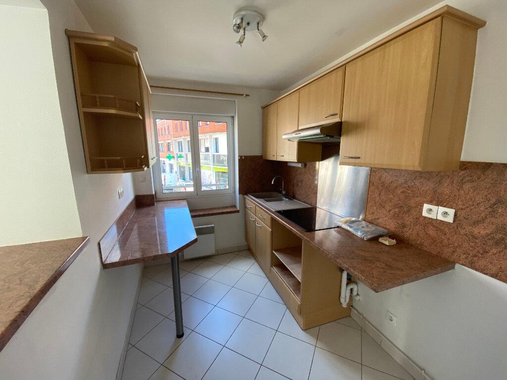 Appartement à louer 3 62m2 à Armentières vignette-2