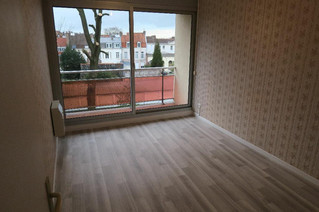 Appartement à louer 3 67m2 à Armentières vignette-3