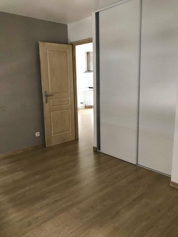 Appartement à louer 2 50m2 à Hazebrouck vignette-3