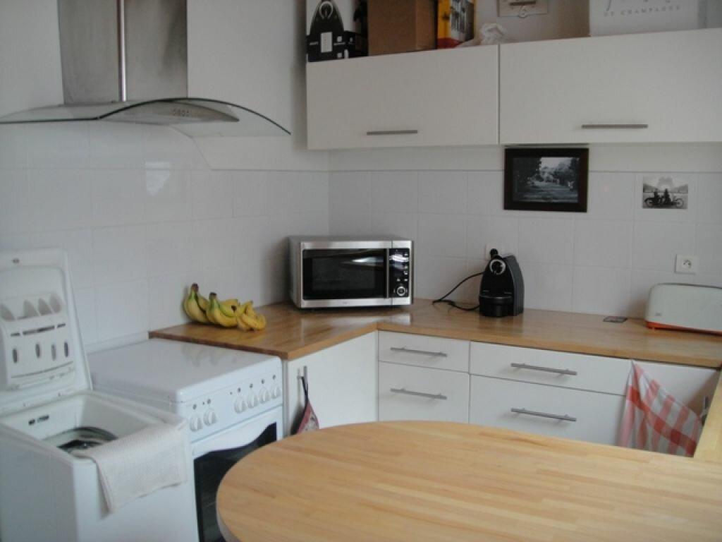 Appartement à louer 2 45m2 à Hazebrouck vignette-3