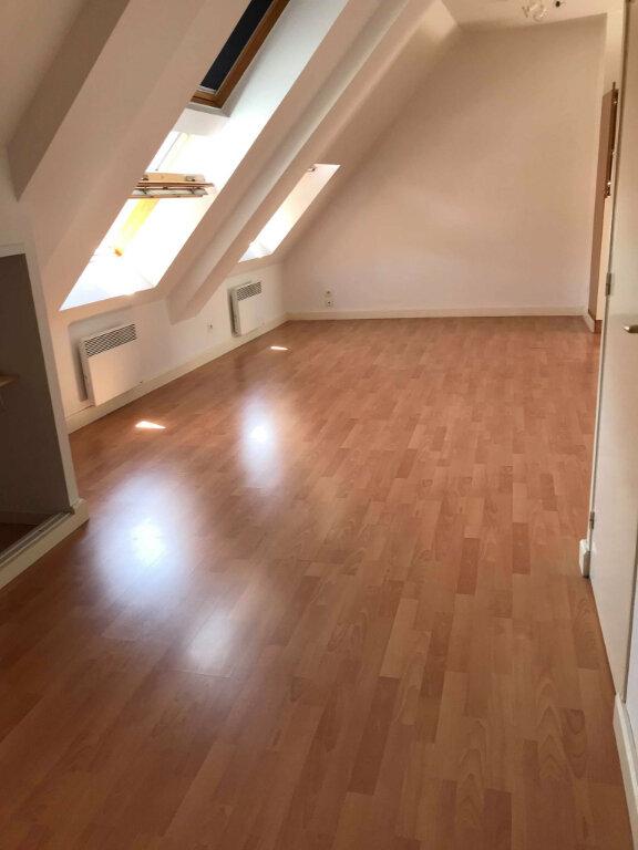 Appartement à louer 2 37.6m2 à Hazebrouck vignette-2